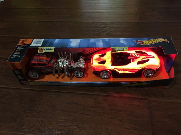 ==Unopened==Large Hot Wheel Lights & Sound 2 pack $19