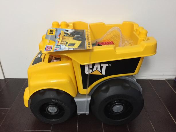 Unopened brand new 25pcs extra large dump truck $10 firm