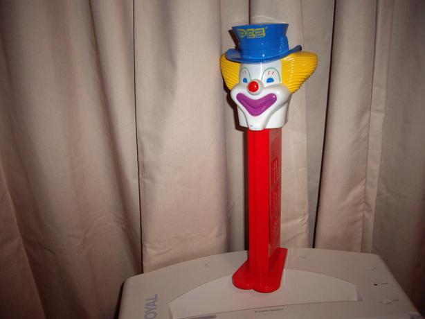 PEZ CLOWN DISPENSER