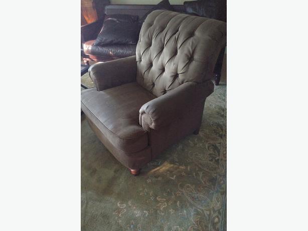 "Luxurious Ethan Allen ""Shawe"" Armchair"