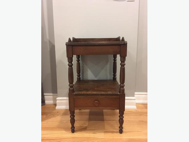 Antique American Style Washstand