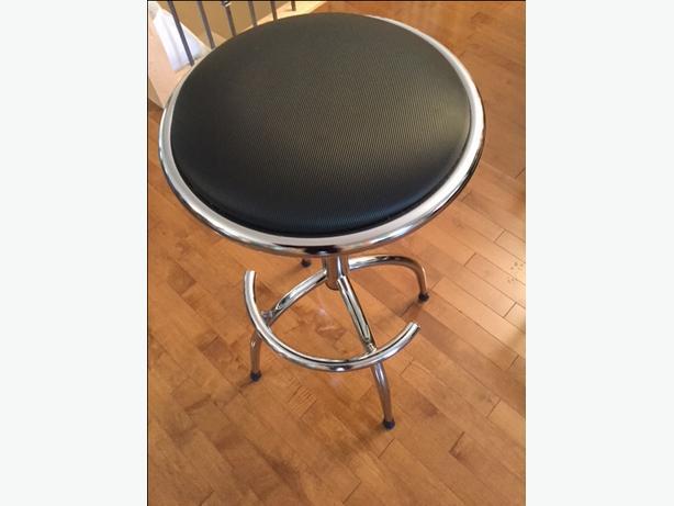 Set of 5 bar stools
