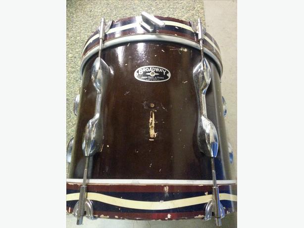John Grey & Sons Vintage Marching Snare in good used condition