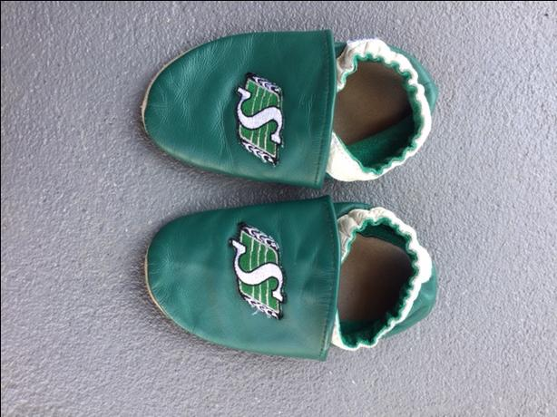 Sk Roughrider robeez slippers
