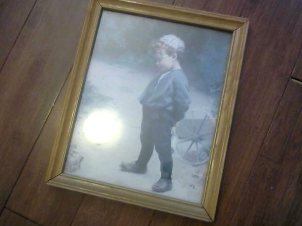 VINTAGE BOY PICTURE OLD ANTIQUE FRAME $10