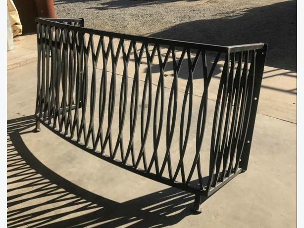 Nice Looking Steel Guard Rail
