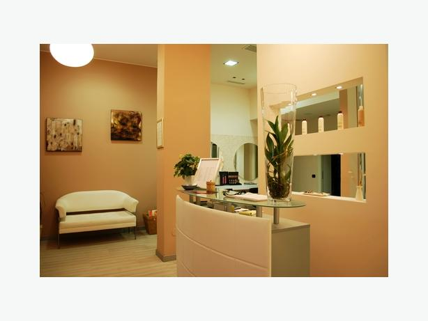 Calgary Luxury Executive Nail Salon. Asset Sale. 79,900