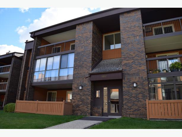 Gorgeous River Park South 2-Bed Condo - Only $177,900