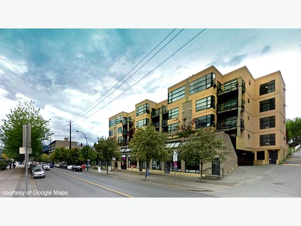 Lower Lonsdale Updated 2 Bed 2 Bath Condo w/ Huge Patio @ The Vogue