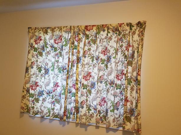 Drapes/curtains
