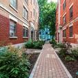 Westmout apartment- parking options, concierge and more!