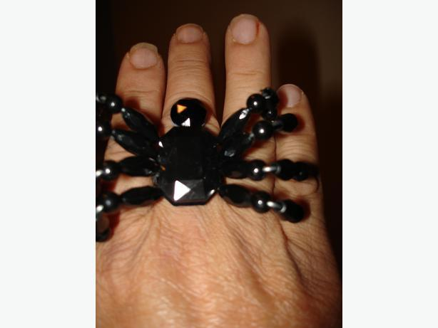 BrandNewUniqueBlkGiant Spider Ring -UnisexFreeSize GreatW/Any Halloween Costume