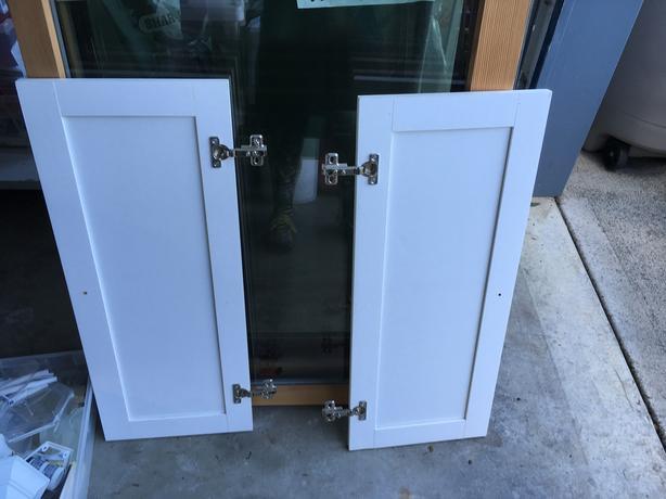 2 cupboard doors