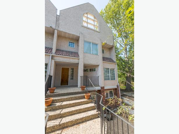East condo- FAMILY FRIENDLY, 1870 sqft, underground park, utilities included!