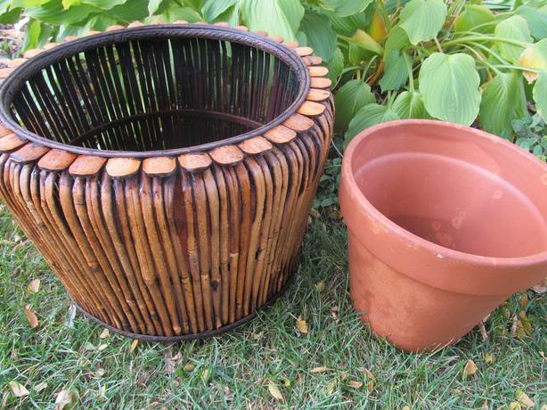 Planter and clay pot