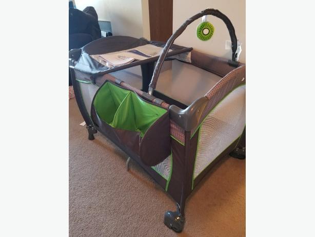 Portable Babysuite 300 Playard