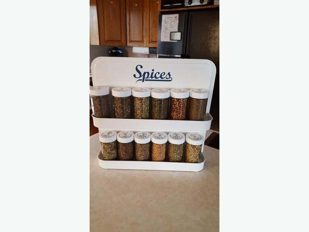 NEW Spice rack and spices