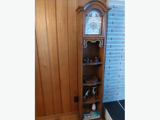 Unique clock shelf