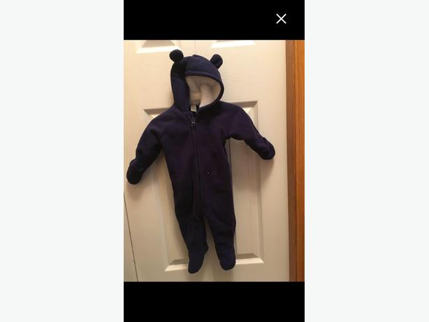 Old Navy Cozy Bear One Piece 3-6mths