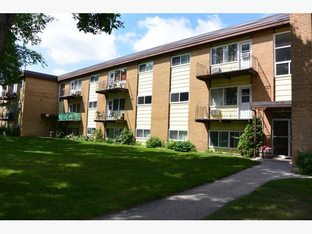 2 Bedroom Apartment Rental  in South Regina - 4040 Retallack St.