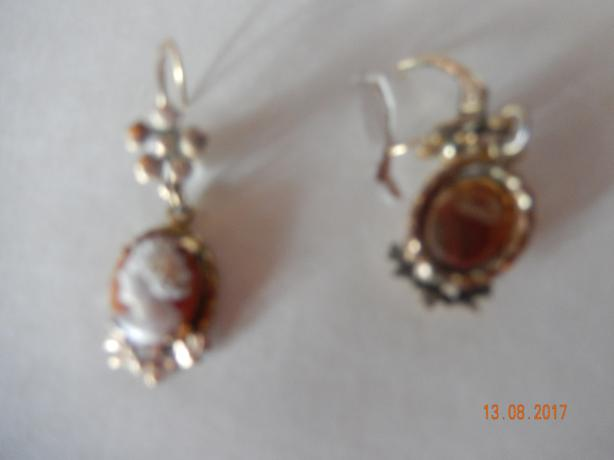 Vintage K&L cameo earrings