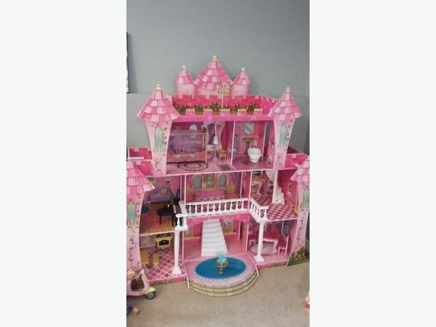 barbie castle excellent condition