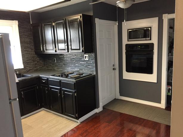 newly renovated 2 bedroom in great neighbor hood (Nov 1st)