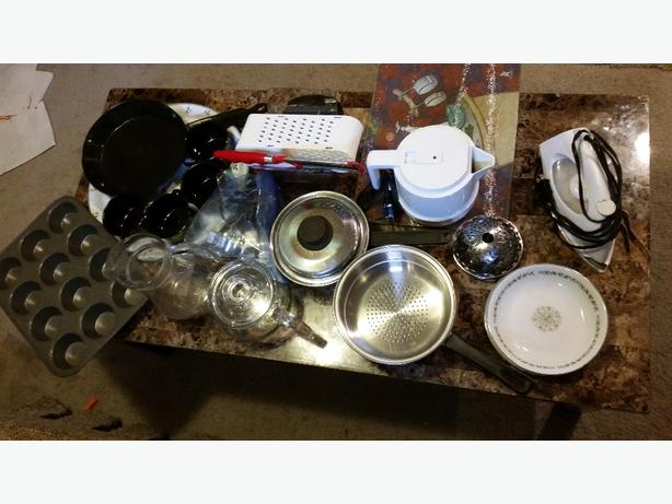 alot of kitchen items for sale All for  $15