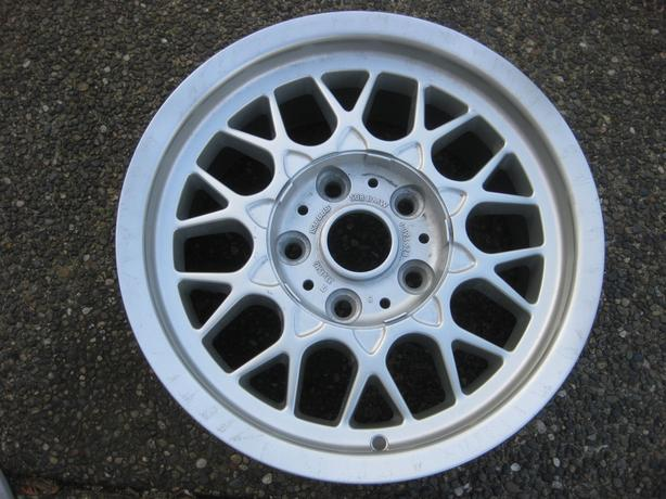 "1 Genuine BBS Oem BMW 15X7"" ET20 rim in excellent condition 5 series"