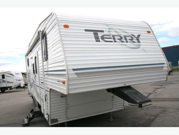 2004 Fleetwood Terry 255BH - 16135U