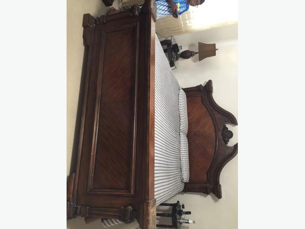 King Size Bed Solid wood with Dresser
