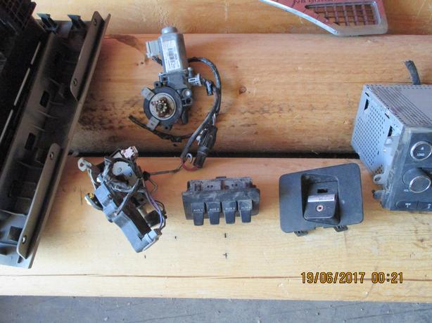 miscellaneous cab parts from 2010 F350