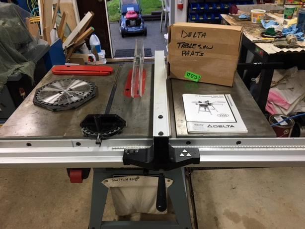 "Delta 2000 Professional 10"" Table Saw"