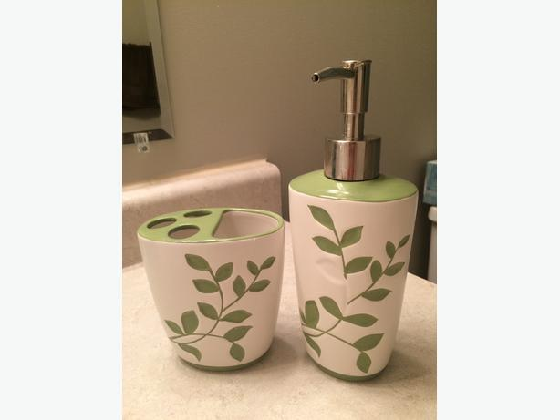 Toothbrush Holder and Lotion Dispenser set
