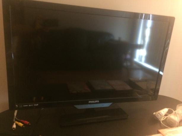 "32"" Philips TV (Model 32PFL4508/F7)"