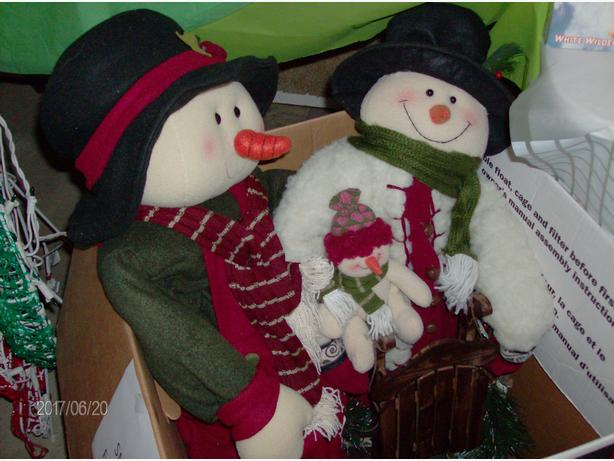 Snowman Family - Christmas Decoration Item