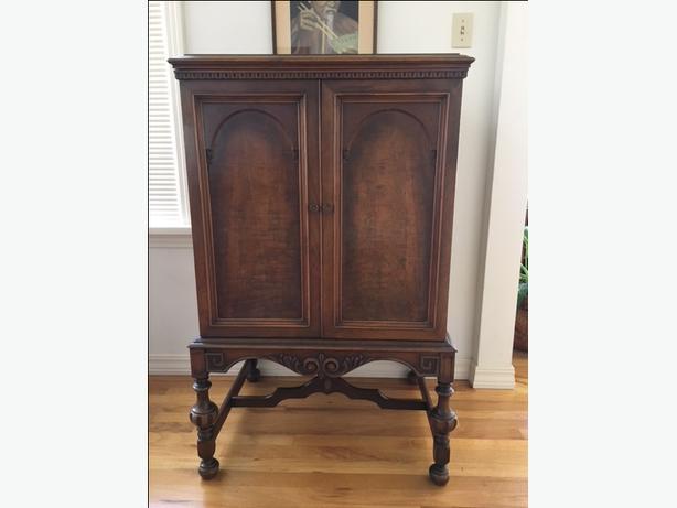 Antique gramophone cabinet - Antique Gramophone Cabinet Esquimalt & View Royal, Victoria