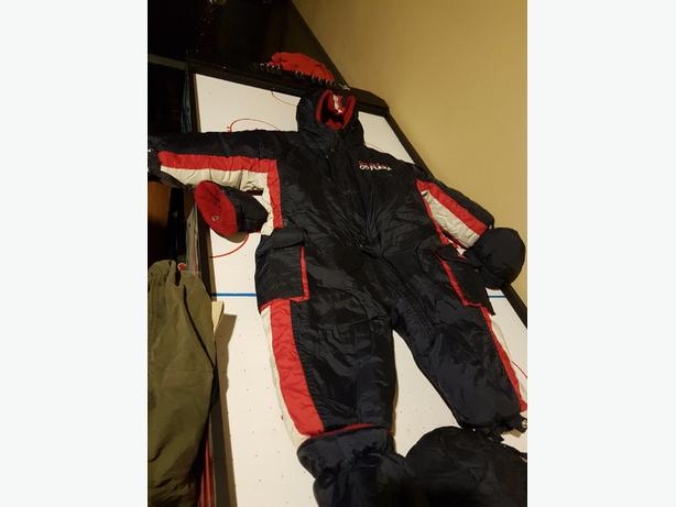 brand new snow suit for 9-12 months old baby