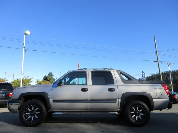 2004 Chevrolet Avalanche - BC ONLY - NO DECLARATIONS!