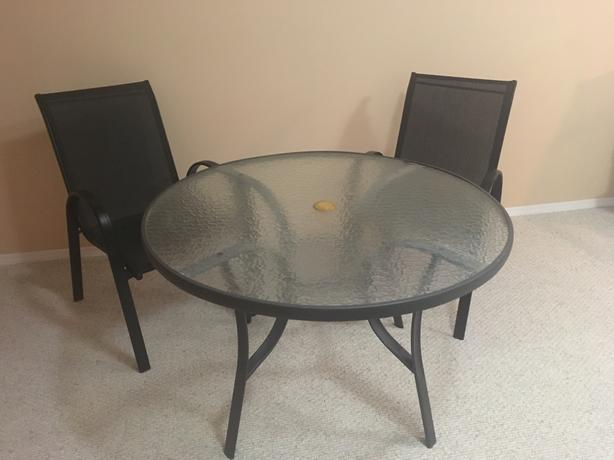 Patio dining table and 4 chairs