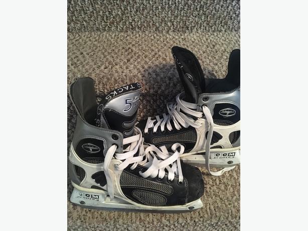 BAUER Tacks - size 7.5 ( fits 9-9.5 shoe)