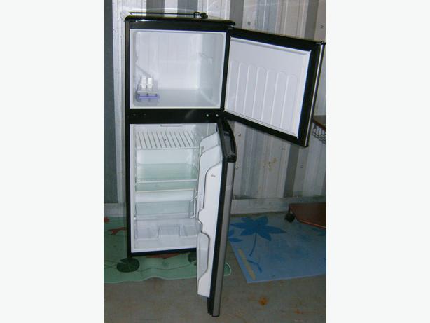 Magic Chef 4.0 cu.ft. Refrigerator