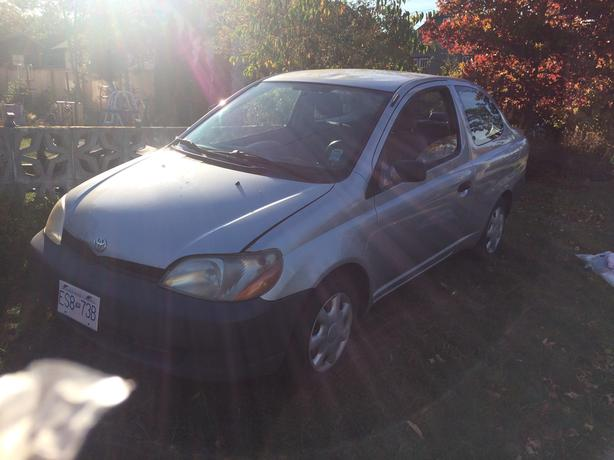 2002  toyota echo 5 speed low mileage