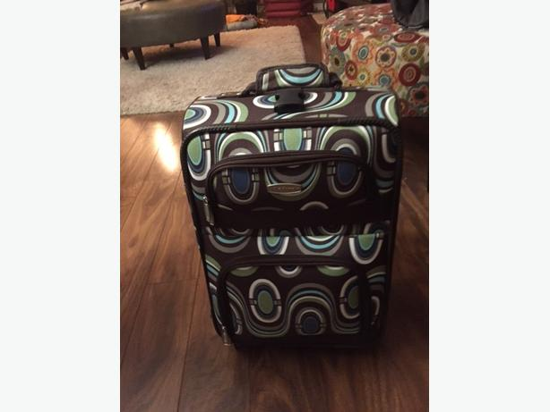 Luggage - Small Carry-on Suitcase