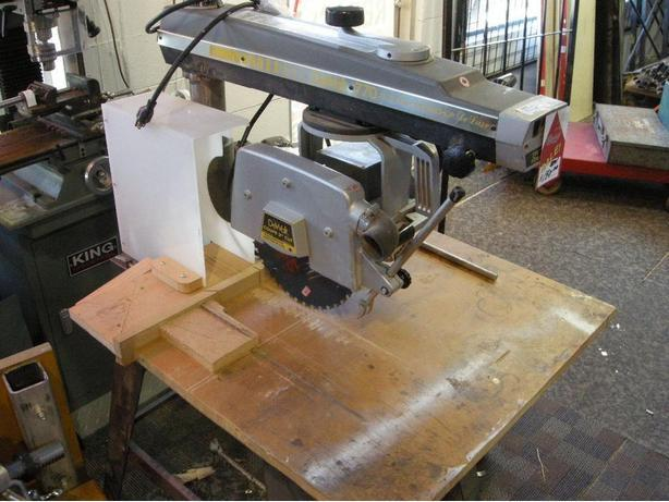 Dewalt 770 Radial Arm saw (I-61211)