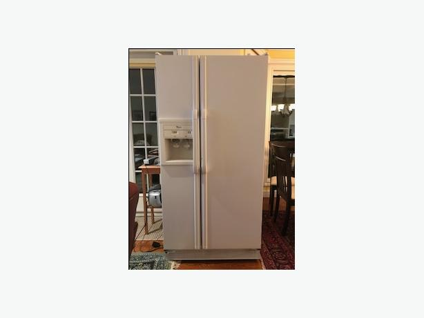 Whirlpool Fridge/Freezer with Water & Ice