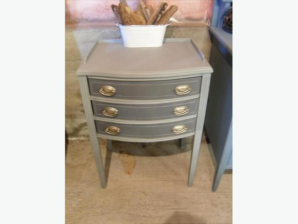 Antique 3 drawer wood cabinet - greys