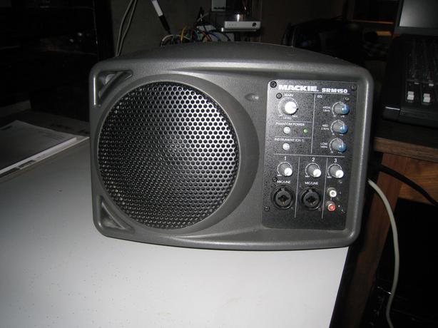 Mackie SRM 150 Speakers
