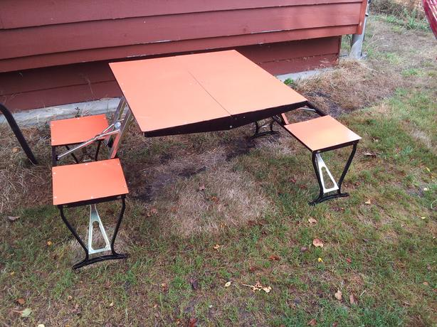 Children's Foldable Picnic Table