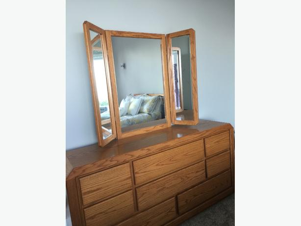 Dresser with side view mirror